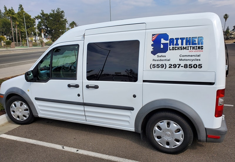 image of the Gaither Locksmithing van